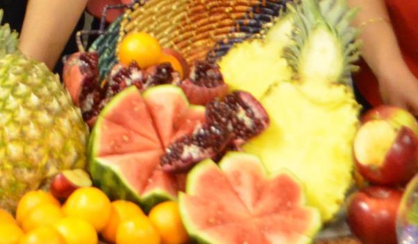 Çille tabağında karpuz ve nar çok önemli yer kaplıyor.