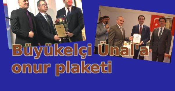 Büyükelçi Ünal'a plaket