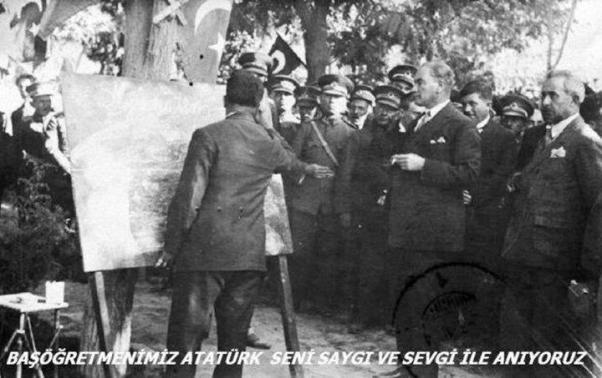 Atatürk karatahta başında.