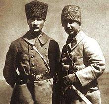Atatürk ve İnönü 1922 Ağustos'unda Kurtuluş Savaşı sırasında.