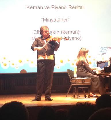 Cihat Aşkın ve piyanist Mehru Ensari'den Minyatürler...