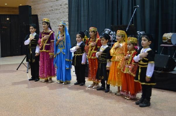 Ottava Karabağ İlkokulu öğrencileri Azerbaycan ulusal marşını hep birlikte okudular.