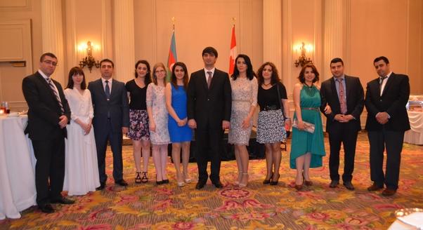 Azerbaycan Cumhuriyeti bağımsızlığı kutladı.