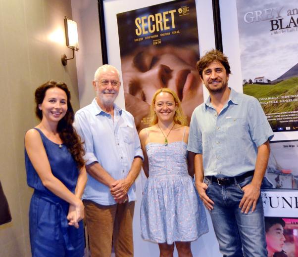Saklı filminin başoyuncusu İlhan Şener, yönetmeni Selim Evci arkadaşımız Duygu Özmekik ile.