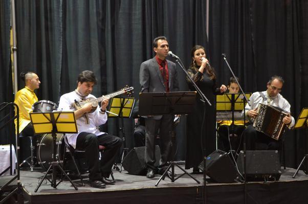 Tebriz Müzik ve Gösteri Topluluğu müzik ve halkoyunlarıyla geceyi şenlendirdi.