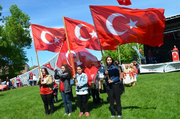 Montreal'de 19 Mayıs Atatürk'ü Anma ve Gençlik ve Spor Bayramı kutlandı.