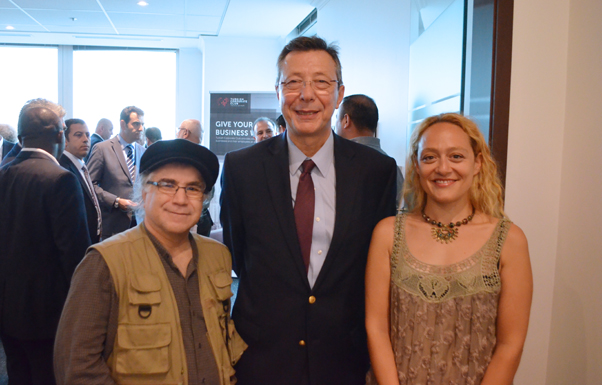 Gazetemizin Genel Yayın Yönetmeni Ömer Özen, Daimi Temsilci Büyükelçi Ali Rıza Çolak ve arkadaşımız Duygu Özmekik birlikte.
