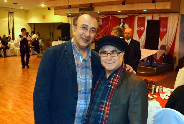 Tayfun Talipoğlu Toronto'da gazetemiz Genel Yayın Yönetmeni Ömer Özen'le tanışmış, görüş alışverişinde bulunmuştu.