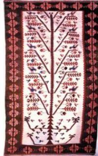 Türk kilimlerinde yaşam ağacı betimlemeleri.