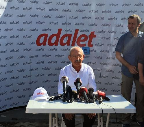 Kemal Kılıçdaroğlu İstanbul'a vardığında basın toplantısı yapıp neden yürüdüğünü bir kez daha açıkladı.