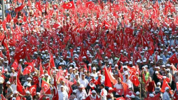 Yurttaşlar Türkiye'nin dört bir yanından geldi...