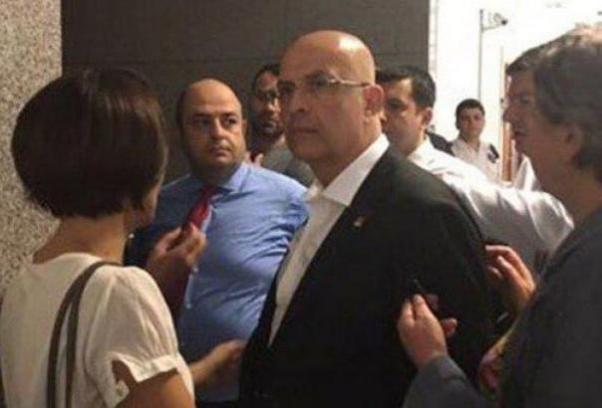 Enis Berberoğlu tutuklanarak hapse gönderildi.