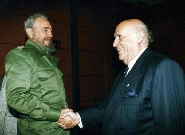 Castro Türkiye'ye geldiğinde zamanın Cumhurbaşkanı Süleyman Demirel ile birlikte.