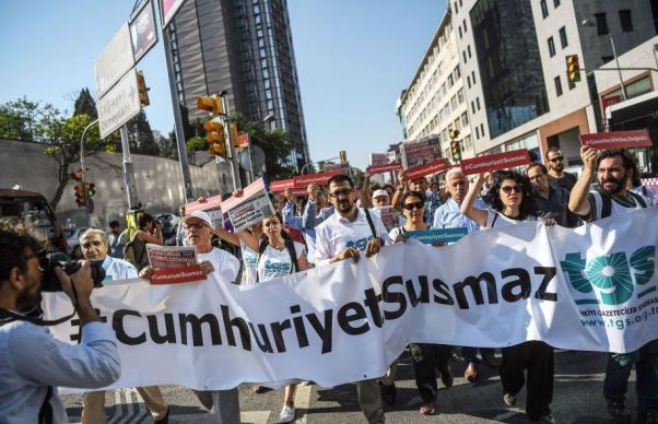 #CumhuriyetSusturulamaz
