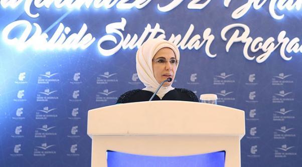 İlk Kadın Emine Erdoğan yaptığı konuşmada Haremi yaşama hazırlayan bir eğitim yuvası saydı.