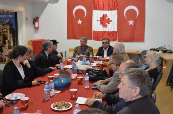 CHP Milletvekilleri Fikri Sağlar ve Sezgin Tanrıkulu Toronto'da sivil toplum kuruluşu temsilcileriyle buluştular.