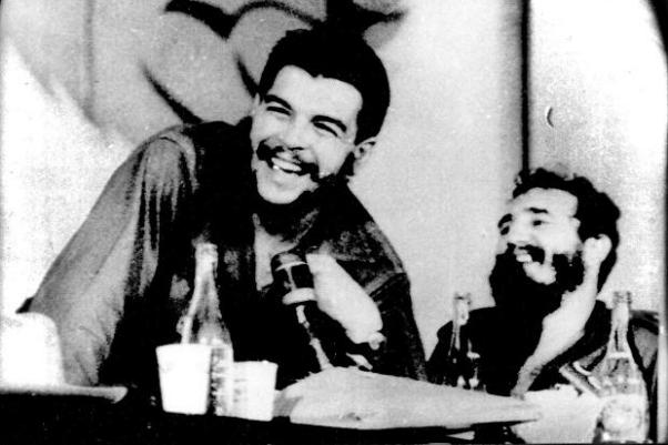 Ernesto Che Guevara ve Fidel Castro.