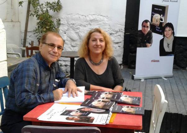 Ömer F. Özen İzmir'de Sevgi Bitti mi?'yi imzaladı.