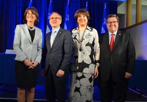 Les ministres et le maire de Montréal sont à la conférence de presse...