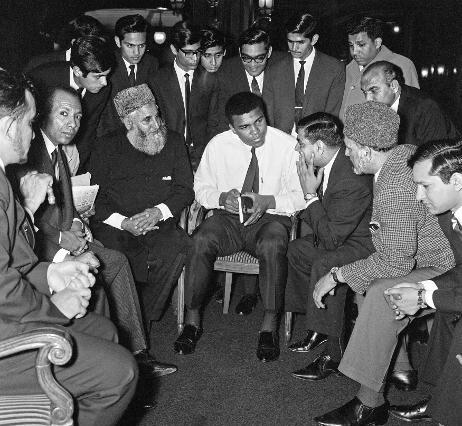 Muhammed Ali sohbette.