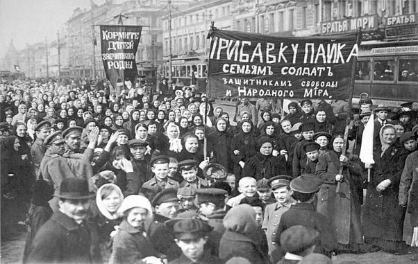 1917'de Petrograd'da 8 Mart Emekçi Kadınlar Günü.