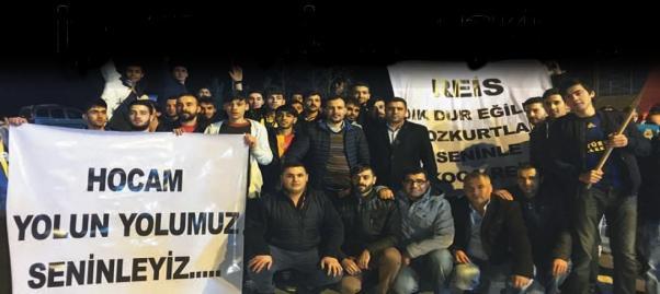 AKP'liler ıslık çalmak için için örgütlü gelmişler.
