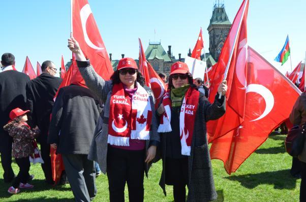 24 Nisan'da Türk ve Ermeni toplumları Ottava'daydı.