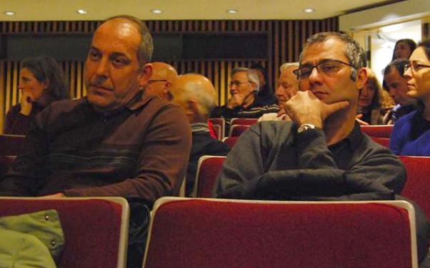 Anma toplantısına yaklaşık 50 kişi katıldı.