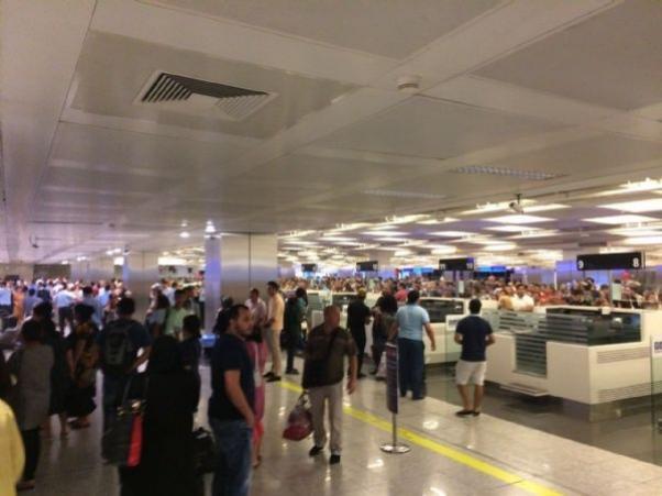 Atatürk Havaalanı'nda bombalı saldırı oldu.