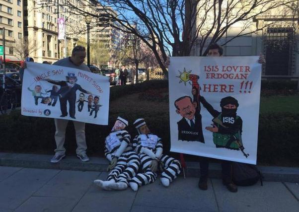 Protestocular eylemlerini sürdürdü.