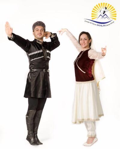 Azerbaycan illerinden Savalan Halkoyunları Topluluğu.