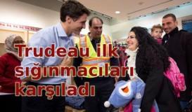 Trudeau ilk Suriyeli sığınmacıları karşıladı