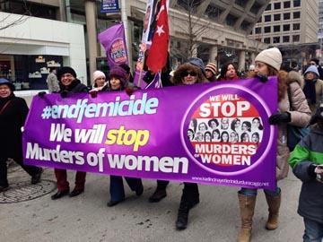 Toronto'da kadına şiddete karşı çıkıldı.