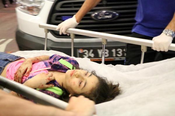 Yaralılar hastanelere gönderildi.