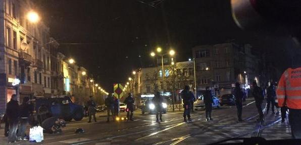 Zürih'te camiyi silahlı saldırı yapıldı. Yaralılar var.